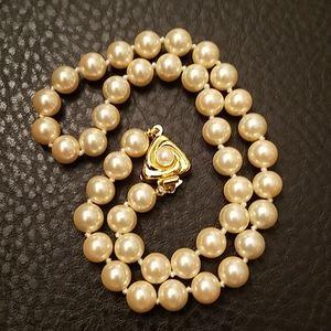 VTG Liz Claiborne faux pearl choker necklace